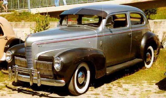 1940 Nash 2-Door Sedan