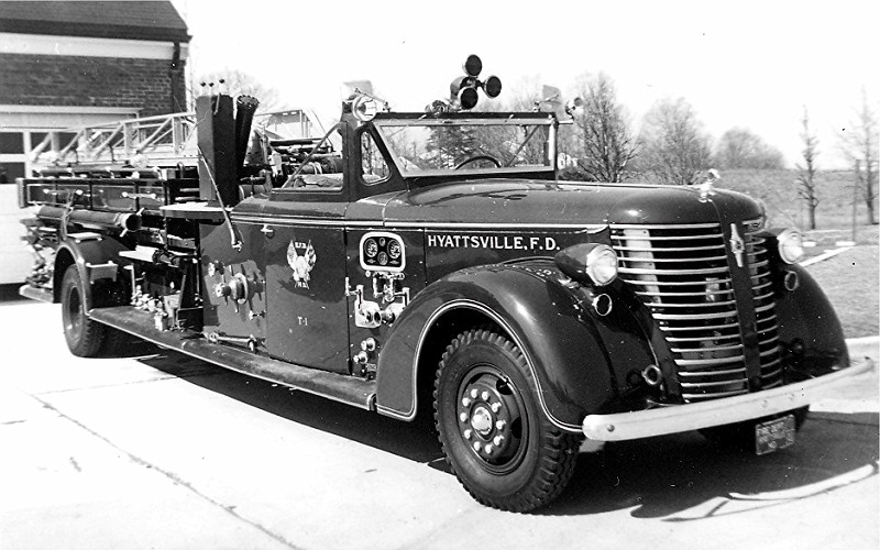 1941 American LaFrance 500 Series 65' Mid-Ship
