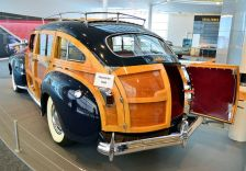 1941 Chrysler Town & Country Woody Station Wagon b