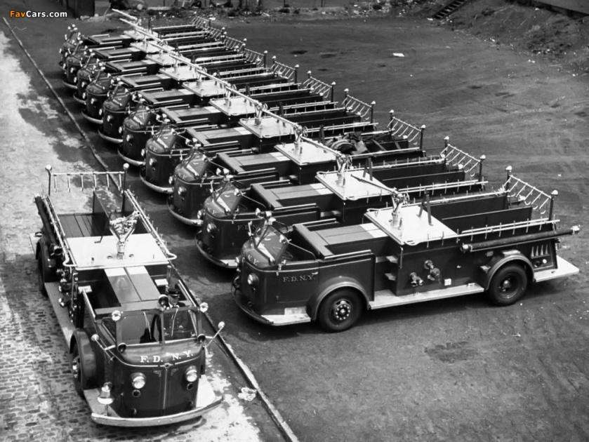1945 american lafrance 700 series 1