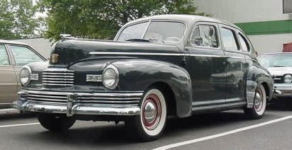 1946 Nash Ambassador Slipstream 4-door sedan