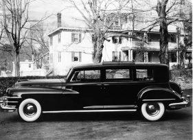 1948 Chyrsler Imperial limosina por la carroceria de Derham de Rosemont