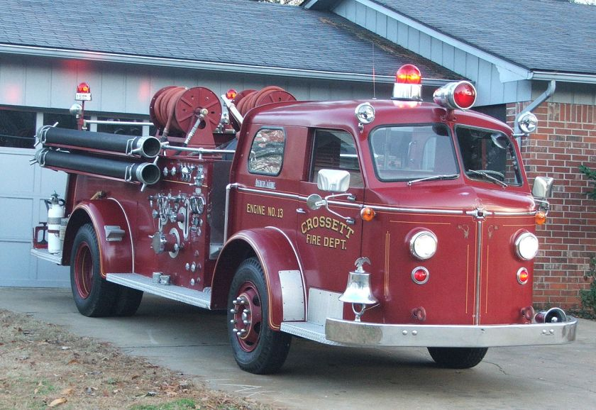 1954 American LaFrance Type 700 pumper. Crosset engine.
