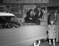 1954 Nash Car Dealership with a Metropolitan