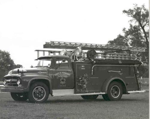 1956 Ford Ward LaFrance Fire Truck