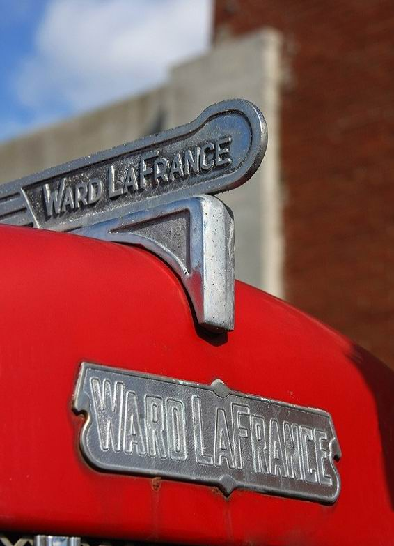 1959 Ward LaFrance Old Timer detail photo