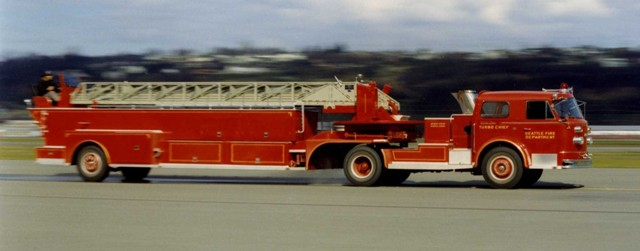 1960 American LaFrance 100' Tractor-Drawn Tillered Aerial