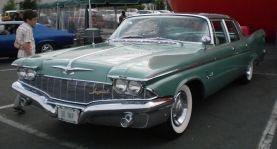 1960 Chrysler Imperial Crown sedan