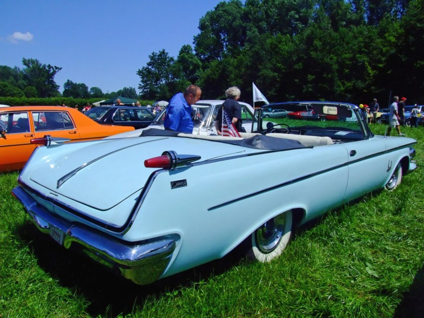 1962 Chrysler Imperial Crown convertible 2