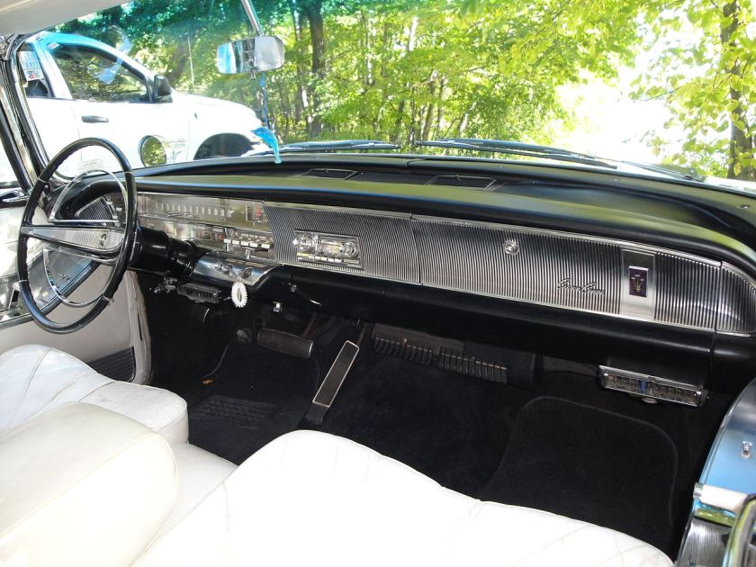 1964 Chrysler Imperial Crown interior Coupe