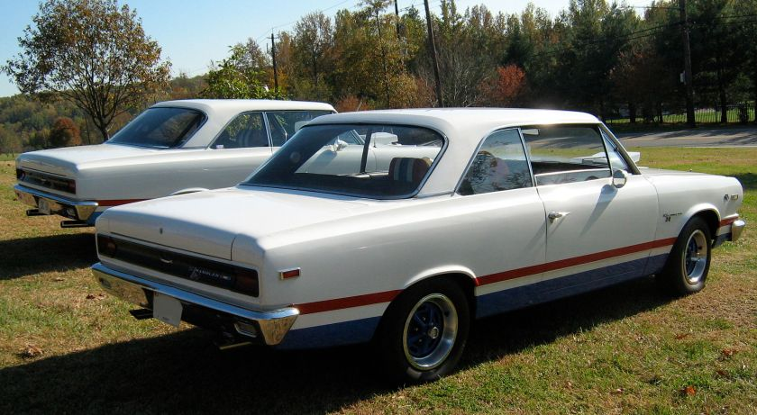 1969 AMC SC Rambler Hurst B-scheme exterior finish at Potomac Ramblers Club meet 2of2