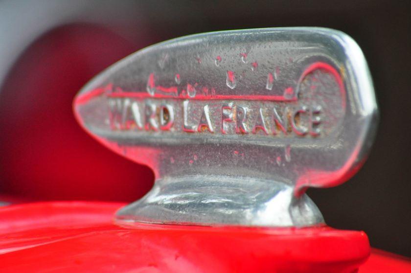 1970 Ward LaFrance motorkapdop 2