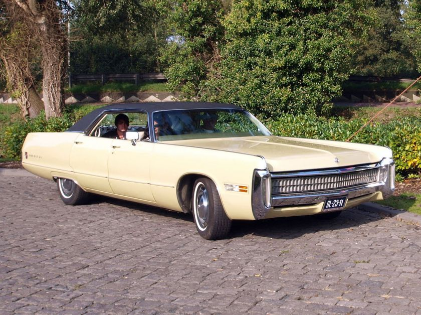 1972 Chrysler Imperial LeBaron-4