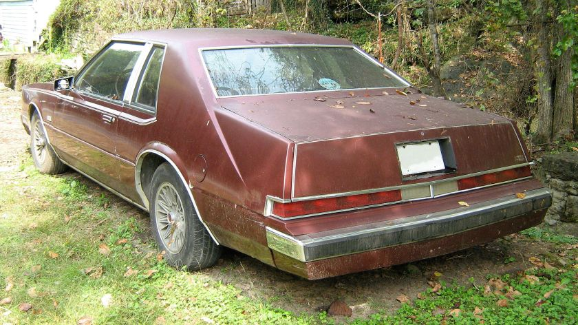 1981–83 Chrysler Imperial Burgundy rear styling