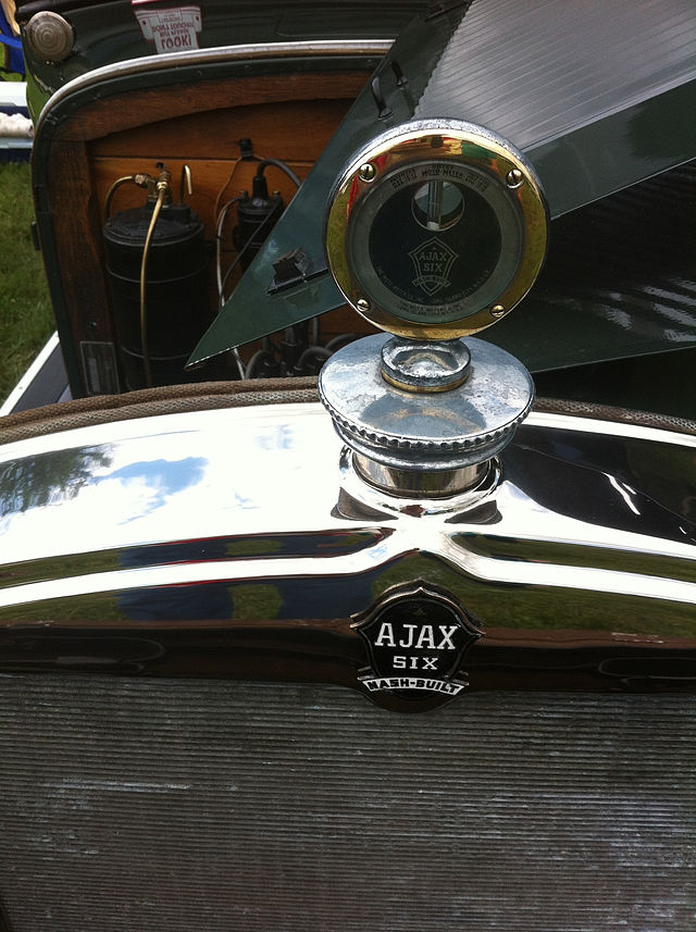 Ajax Six Nash-Built radiator ornament