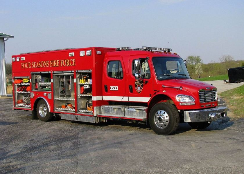 American LaFrance Commercial Cab Rescue Lakes of the Four Seasons Fire Department Emergency Apparatu