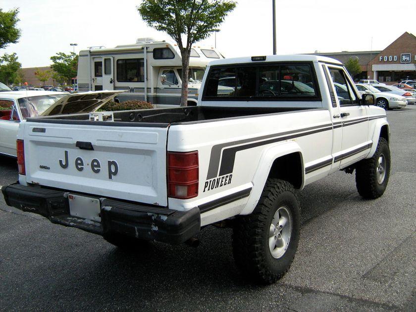 Jeep Comanche Pioneer