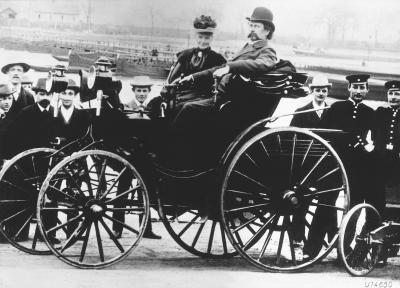 1894 Bertha Benz with her husband Karl Benz in a Benz Viktoria