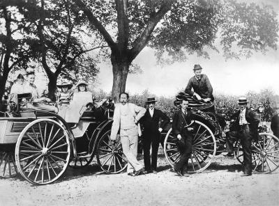 1894 Karl Benz, his family and Theodor Baron von Liebieg