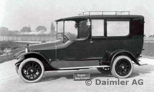 1913 Daimler ambulance Type UK with 10-30 hp Knight engine