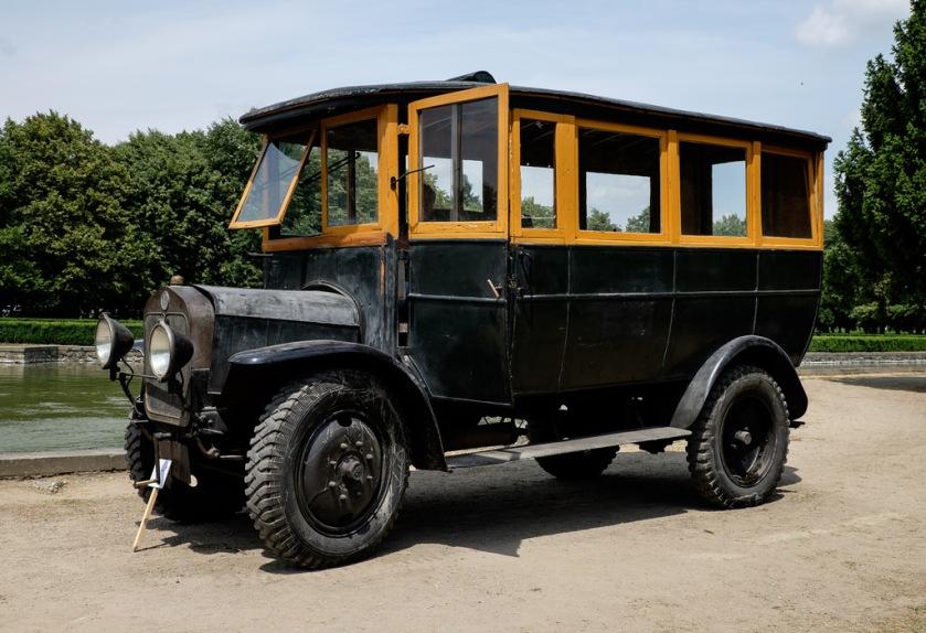1918 Praga N bus