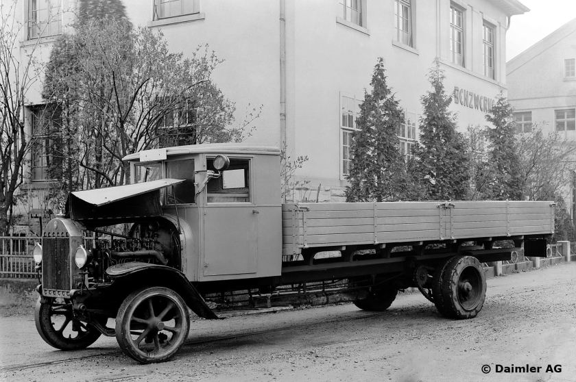 1923 Benz Gaggenau diesel 5 K 3 five-tonner with OB 2 four-cylinder diesel engine developing 45-50 hp at 1,000 rpm, was in service ten years