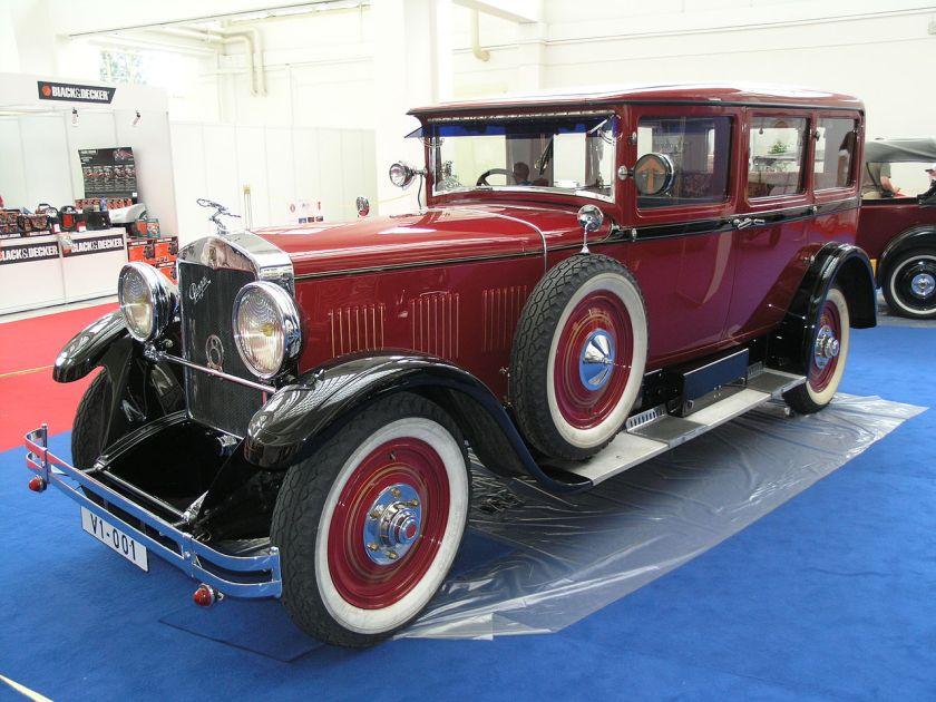 1929 Praga Grand 16 limousine