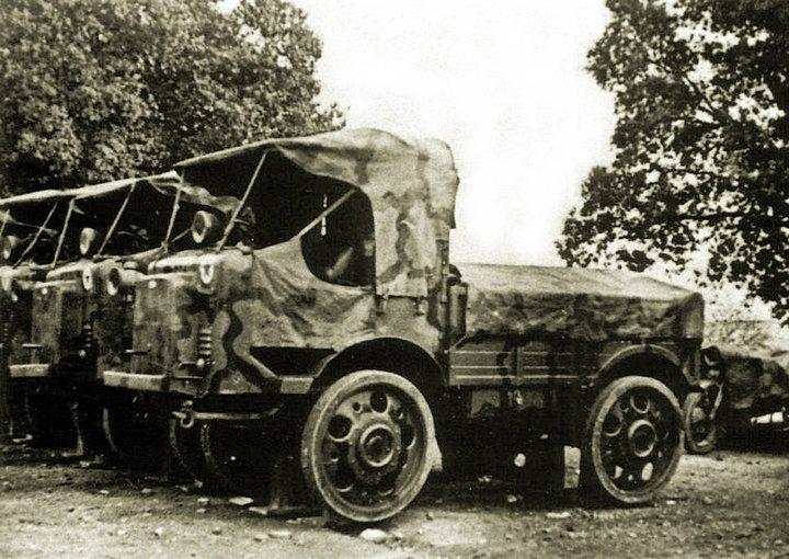 1932-35 Heavy 1935 Isotta Fraschini D80 NM, diesel-powered engineering truck (also in Spain)