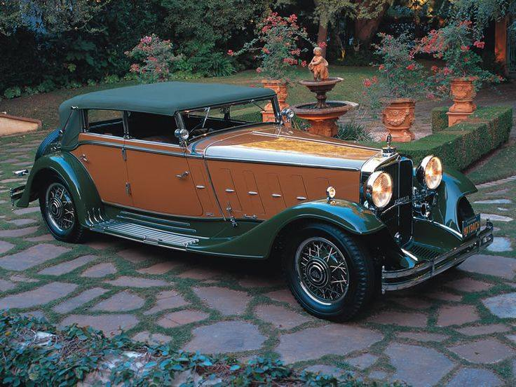 1932 Maybach-Zeppelin DS8 Convertible Sedan