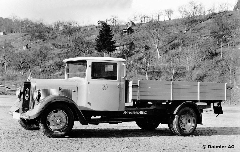 1932 Mercedes Benz 2-tonne Lo 2000 truck from 1932. The world's first standard light-duty truck, which was also supplied with an optional diesel engine.