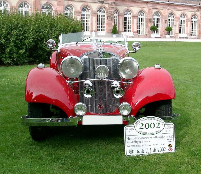 1939 Mercedes Benz 540K front