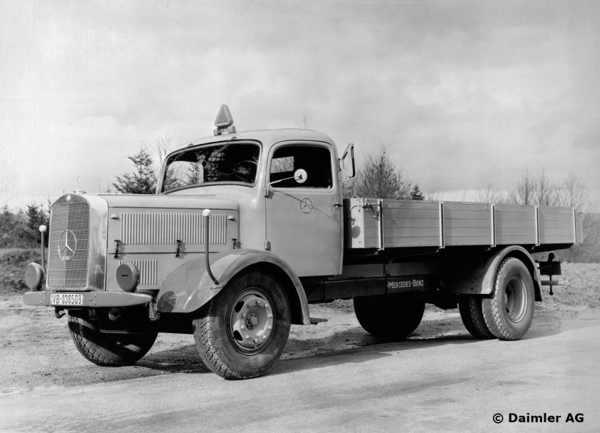 1940 Gaggenau 2 plant. MB 4.5-tonner L 4500 S truck, with off-road capability, 6- cyl. 120-hp diesel engine