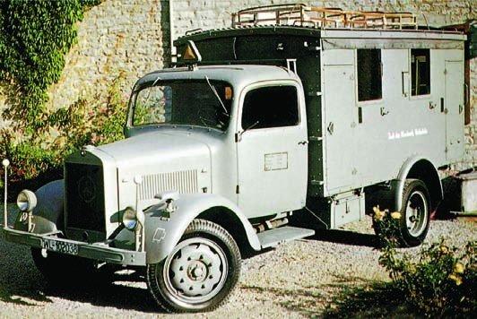 1940 Mercedes Benz L3000S (Kfz.33)
