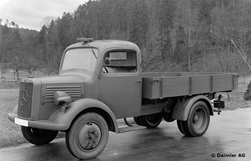 1941-44 Mercedes Benz L 1500 S with a 60-hp carburetor engine, 1.5-tonne platform truck