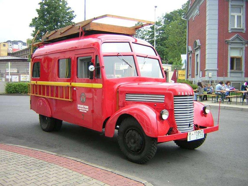 1947 PRAGA RN