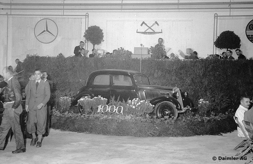 1947 The 1000th Mercedes-Benz passenger car, a 170 V, rolled off the production line since the start of postwar production, October 1947.