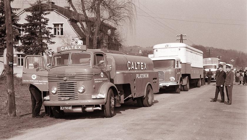 1960 2e fahrzeug Krupp am grenze Nizozemska_avtomobilska_karavana_na_šentiljskem_bloku_1960_(4)