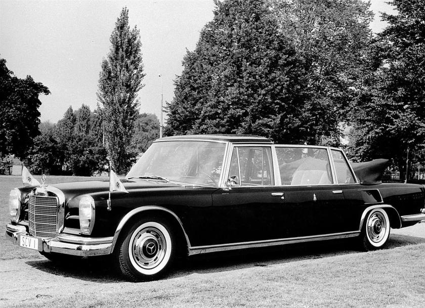 1963 Mercedes Benz W100 LWB Landaulet b