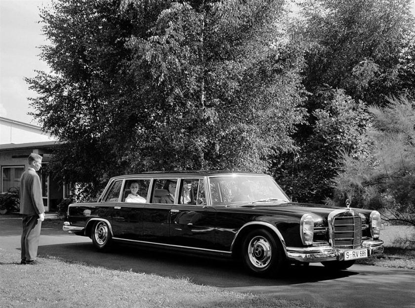 1963 Mercedes Benz W100 LWB Landaulet