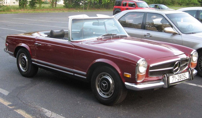 1971 Mercedes Benz 280SL-1