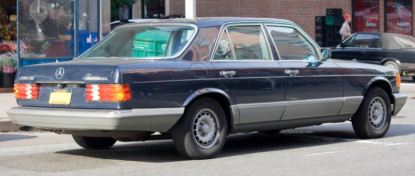 1981-85 Mercedes Benz W126 300 SD (standard wheelbase version)