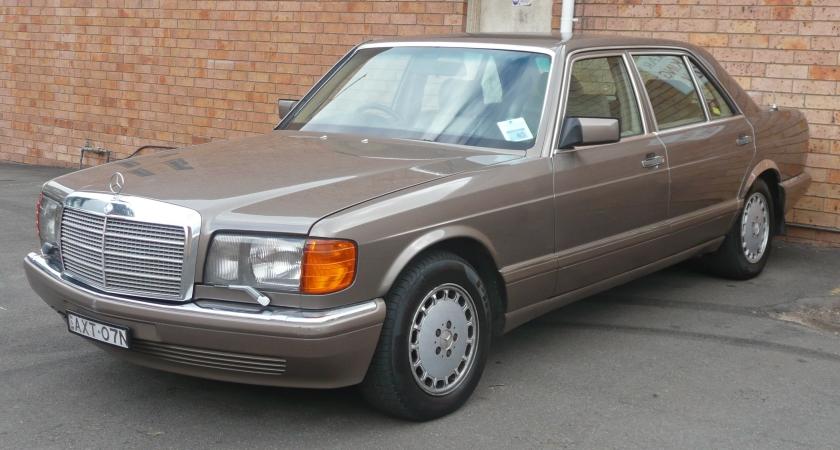 1987-92 Mercedes Benz 300 SEL (W126) sedan