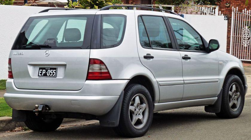 1998-01 Mercedes Benz ML 320 (W163) wagon 04
