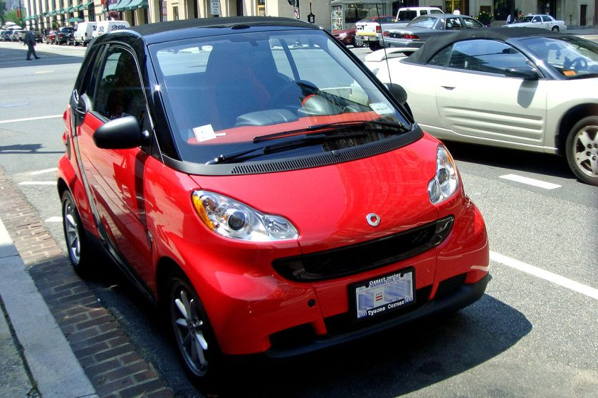 2009 Smart Fortwo (2nd generation) parked in downtown Washington, D.C.