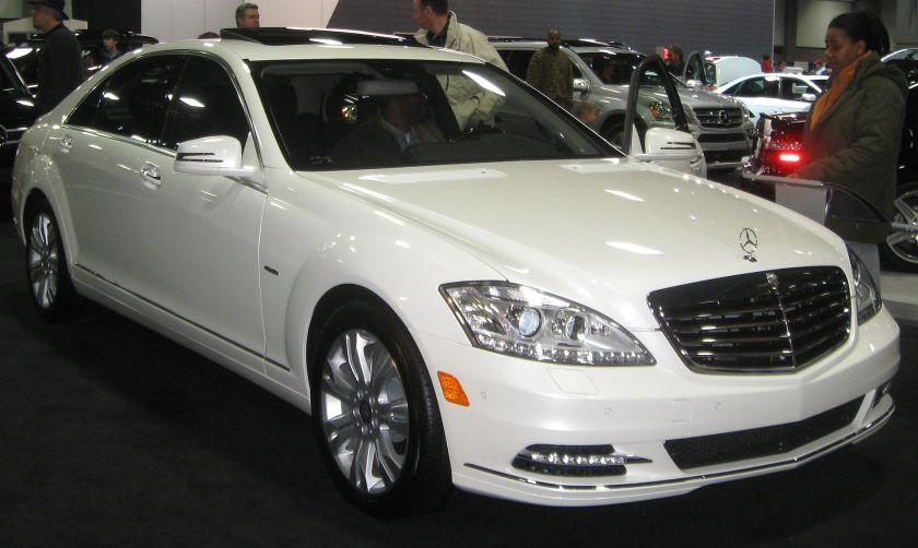 2010 Mercedes Benz S400 BlueHybrid (US)