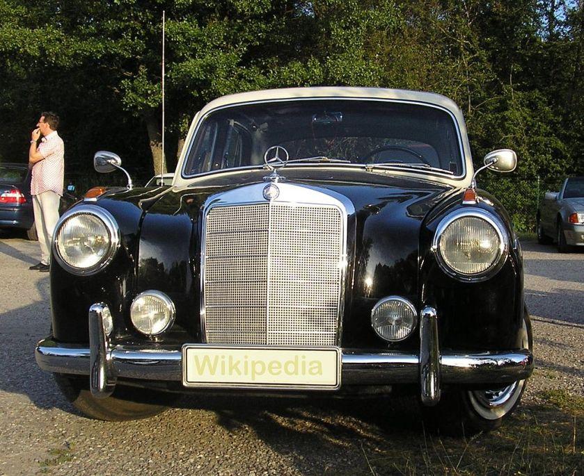 A 1958 Mercedes Benz 220 S 4D