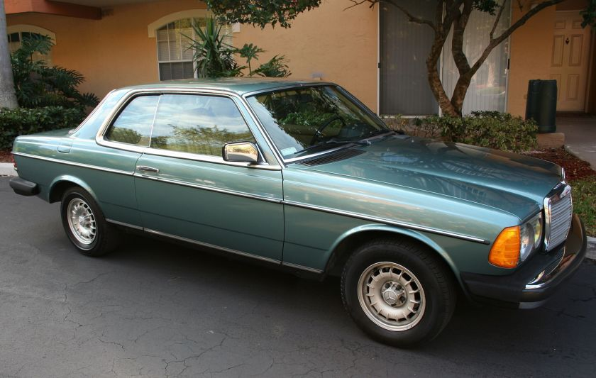 B Mercedes Benz 300CD Turbodiesel coupe (US-version)