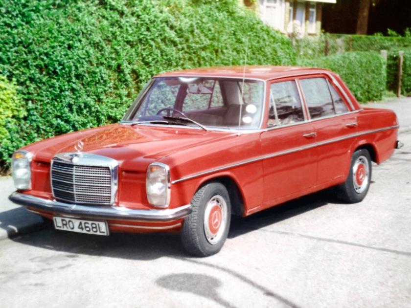 Mercedes Benz 220 (W115)