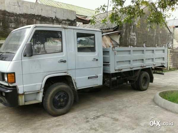 Mercedes Benz truck-double-cabin mb700