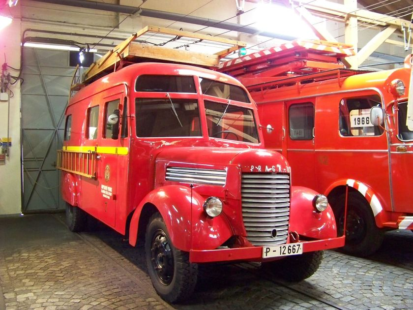 Praga RN Red